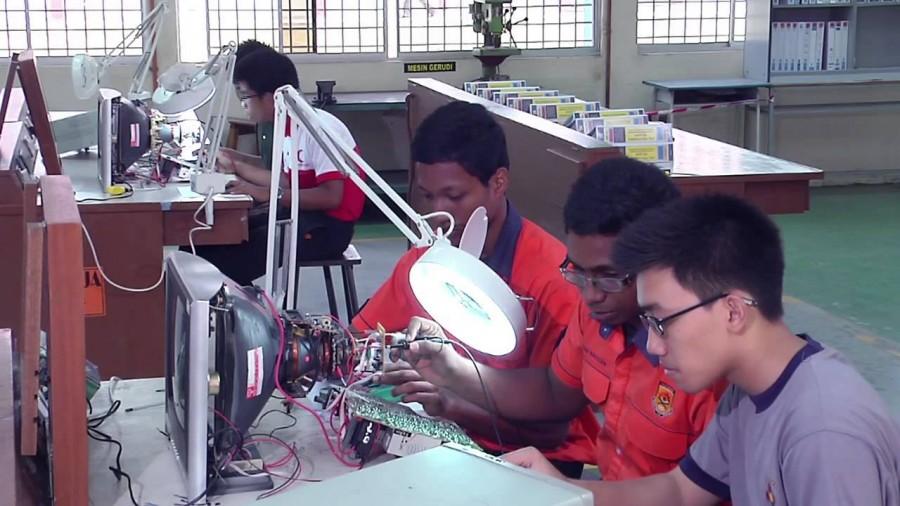 Pelajar Kolej Vokasional Layak Menyambung Pengajian di Universiti Awam
